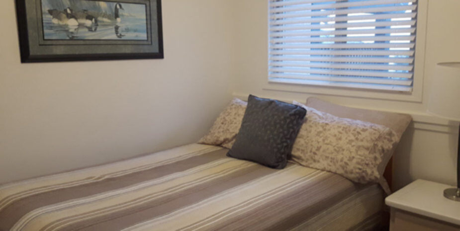 2 Bedroom Cottage Room | Shady Shores Beach Resort | Near Qualicum Beach and Parksville