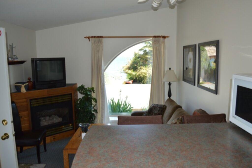 Beachfront 2 Bedroom Suites Shady Shores Beach Resort Parksville Qualicum Bc
