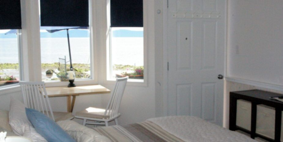 Shady Shores Beachfront Cottages and Vacation Rentals